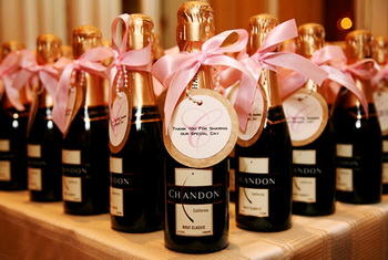 new-years-eve-wedding-favors